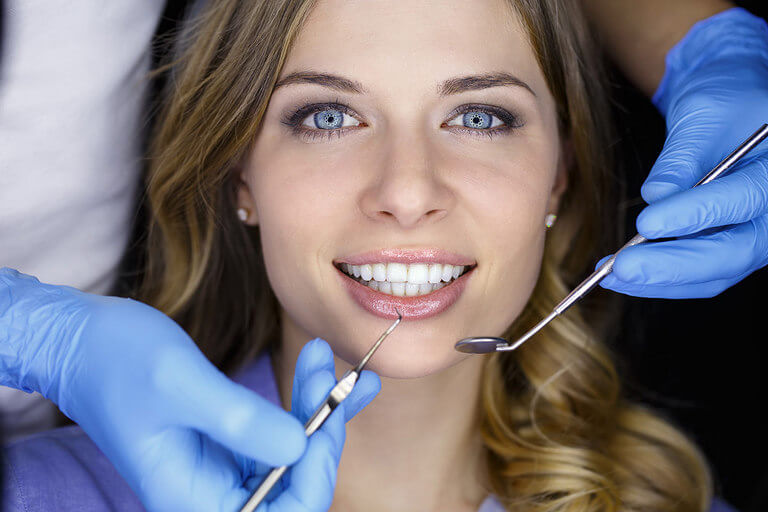 - Zubní lékař Praha Clinic+ - Bělení zubů technologií Pure Whitening - Estetická stomatologie